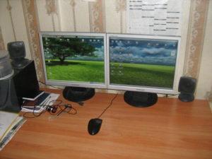Подключаем монитор к двум компьютерам
