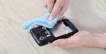 Что делать, если телефон попал в воду